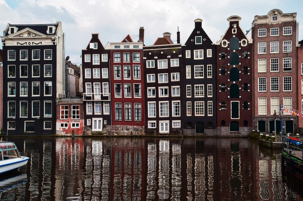 Choosing Where to Stay in Amsterdam